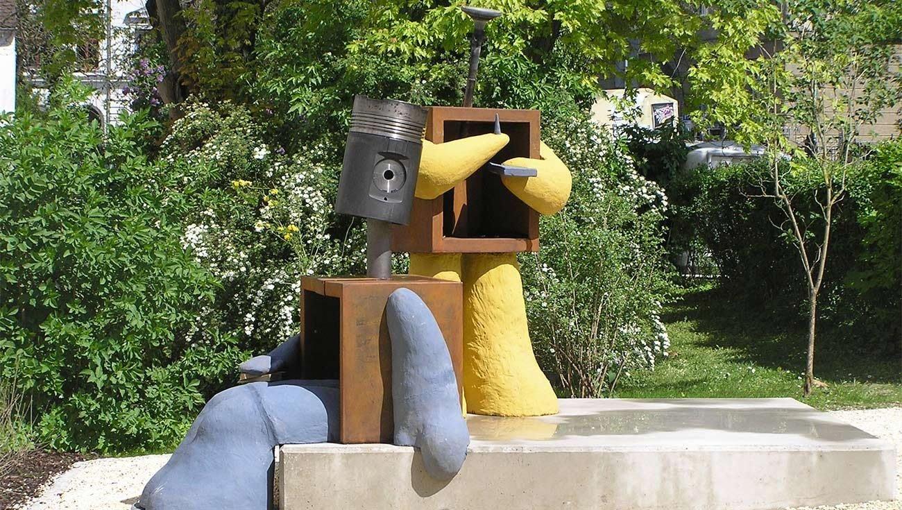 Diesel - Denkmal vor dem Holbein